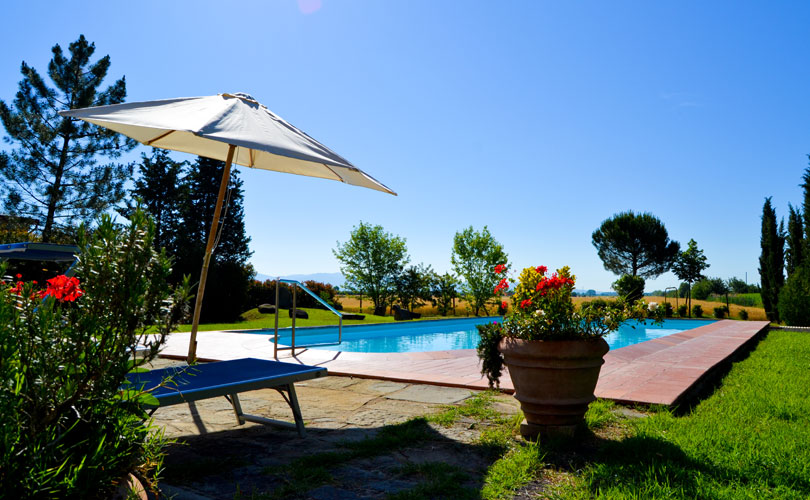 piscina dell'agriturismo in toscana